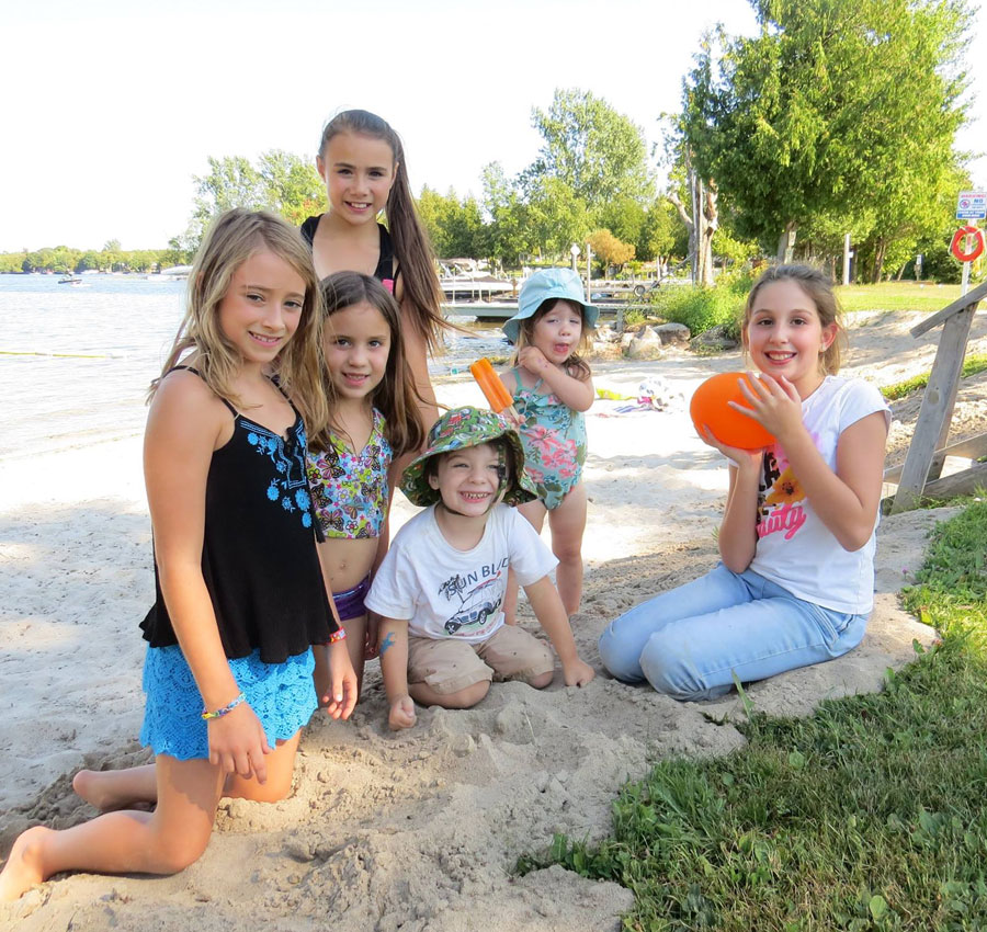 Rideau Mac Resort Family and Friends